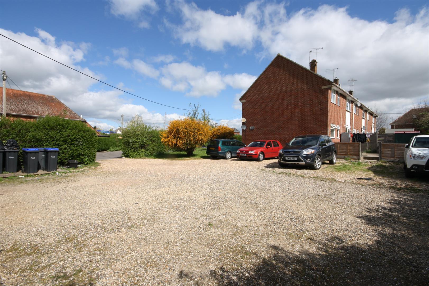 6, Larkfield Court Holders Road